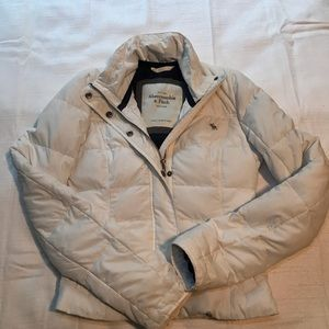 Abercrombie and Fitch White Puffy Coat Womens S.